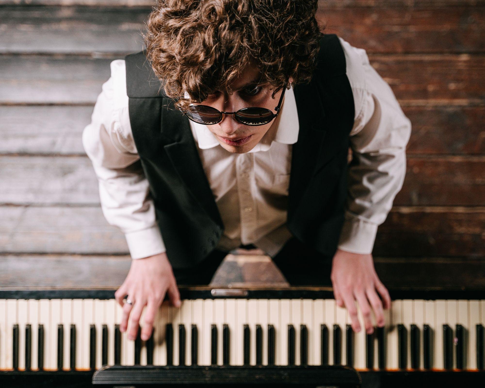 Pianiste vu de haut